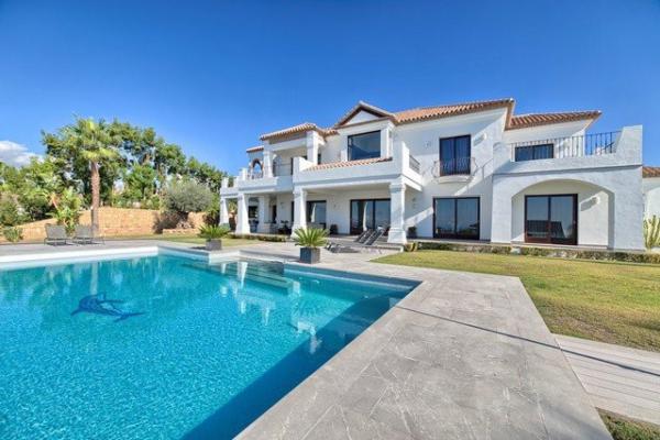 5 Bedroom, 3 Bathroom Villa For Sale in Los Flamingos Golf, Benahavis