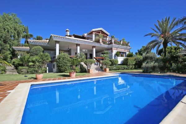 4 Bedroom, 4 Bathroom Villa For Sale in Los Flamingos Golf, Benahavis