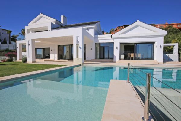 6 Bedroom, 6 Bathroom Villa For Sale in Los Flamingos, Benahavis