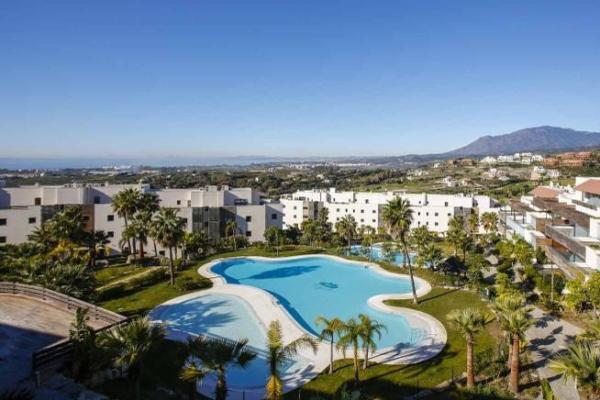 2 Bedroom2, Bathroom Apartment For Sale in Los Flamingos, Benahavis