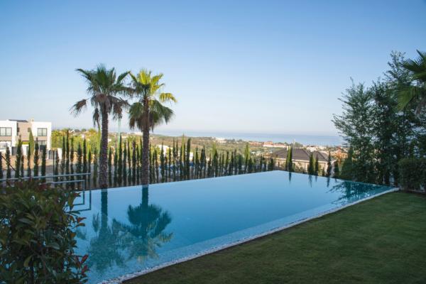 5 Bedroom, 5 Bathroom Villa For Sale in Los Flamingos, Benahavis